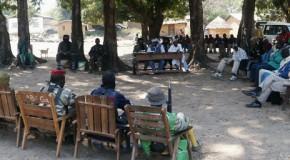 CVG-04 : GUIMOWARA- LE- SAVANT REPOND AUX QUESTIONS DES VILLAGEOIS